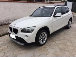BMW-X1-2.0-2011